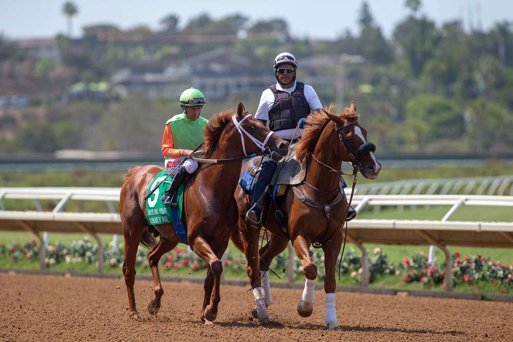 Photo of Del Mar's Green Flash Lures 8 Speedballs Saturday