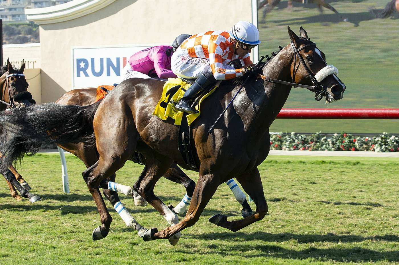 Photo of Hear My Prayer Fires in Lane to Capture Thursday Feature