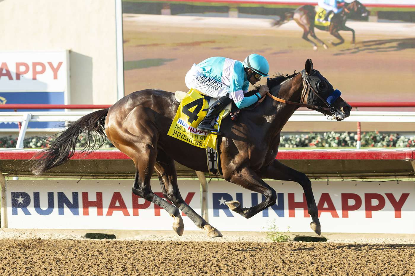 Photo of Pinehurst Goes Wire to Wire in Futuriy; Mackinnon is Best in Juvenile Turf as Del Mar's Meet Comes to a Close