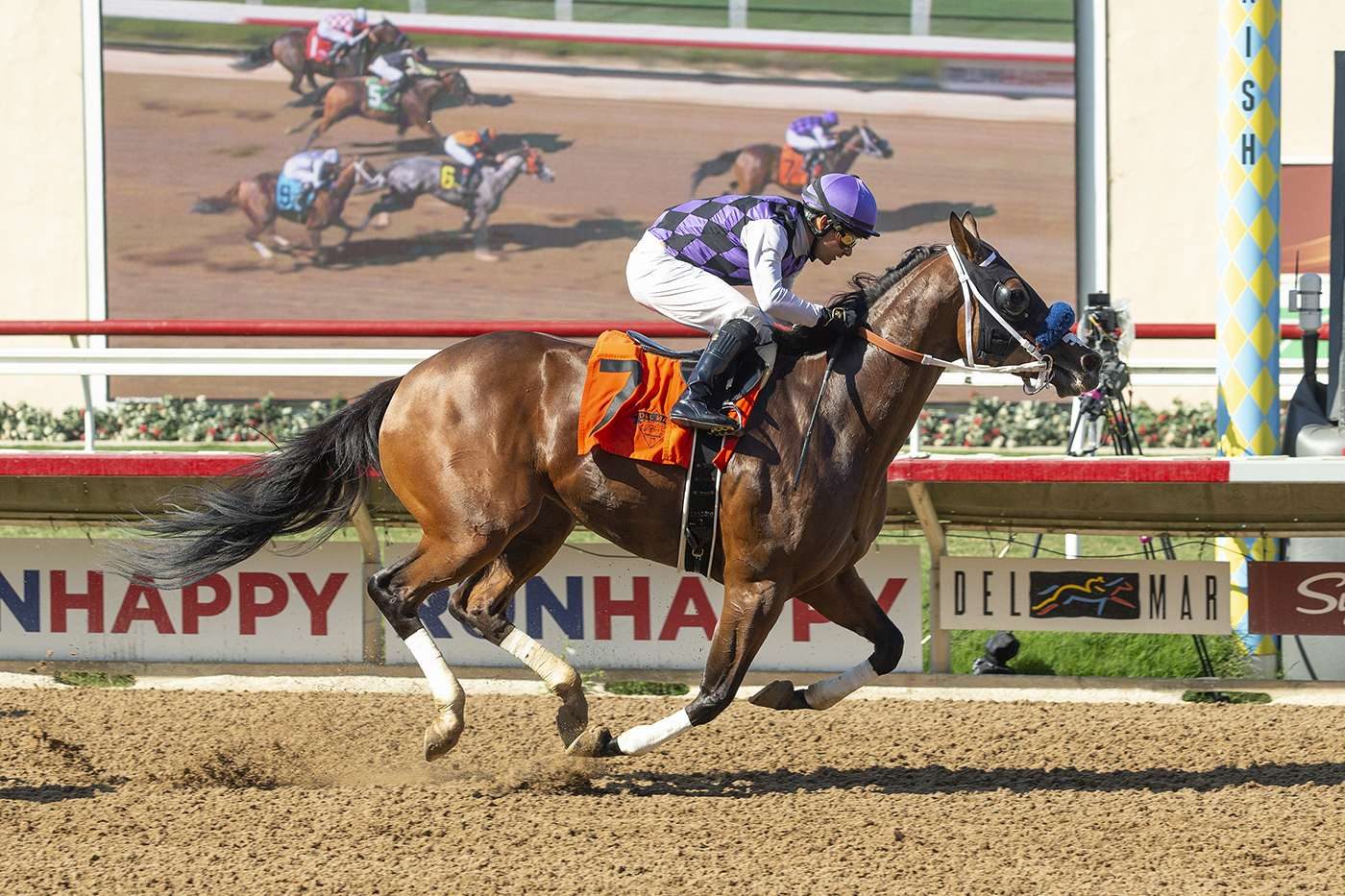 Photo of Seven Sisters Scores Wire to Wire in Del Mar Thursday Feature